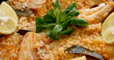 Arroz de bacalao y cebolla