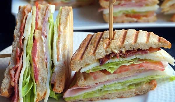 Sandwich Club, estilo VIPS