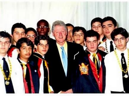 La Orden De Moley junto al ex - presidente de los EEUU Bill Clinton