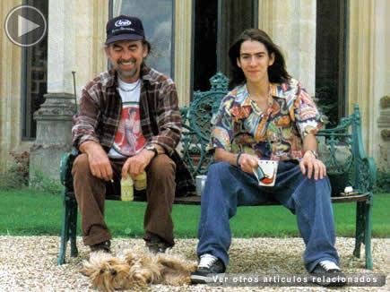 Dhani 252 7 435x326 Hijo Del Fallecido Ex Beatle George Harrison Y La Mexicana Olivia Arias