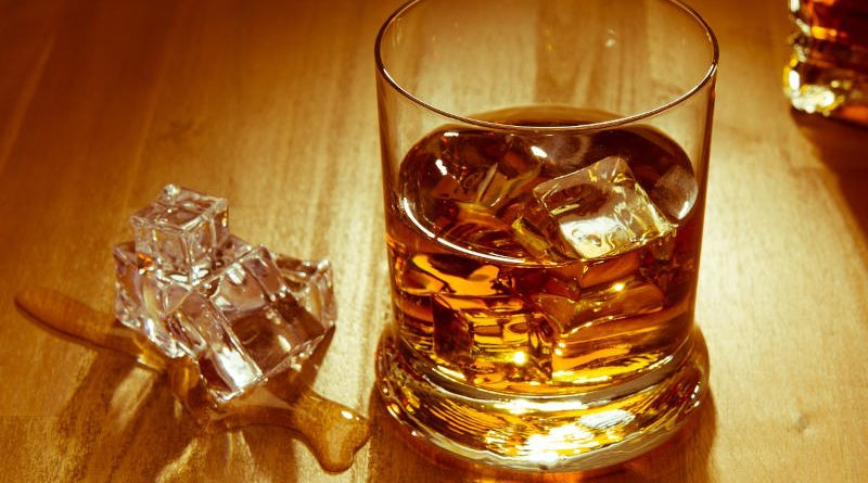 La bebida nacional de Escocia nació en las abadías en el siglo XV y se convirtió en el licor predilecto de los británicos