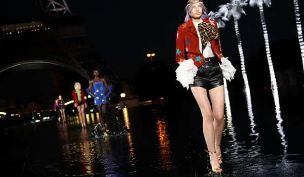 Pasarela de agua en Paris