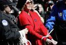 Jane Fonda es periódicamente arrestada