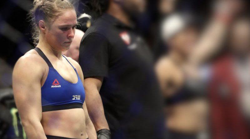 Ronda Rousey entrenando